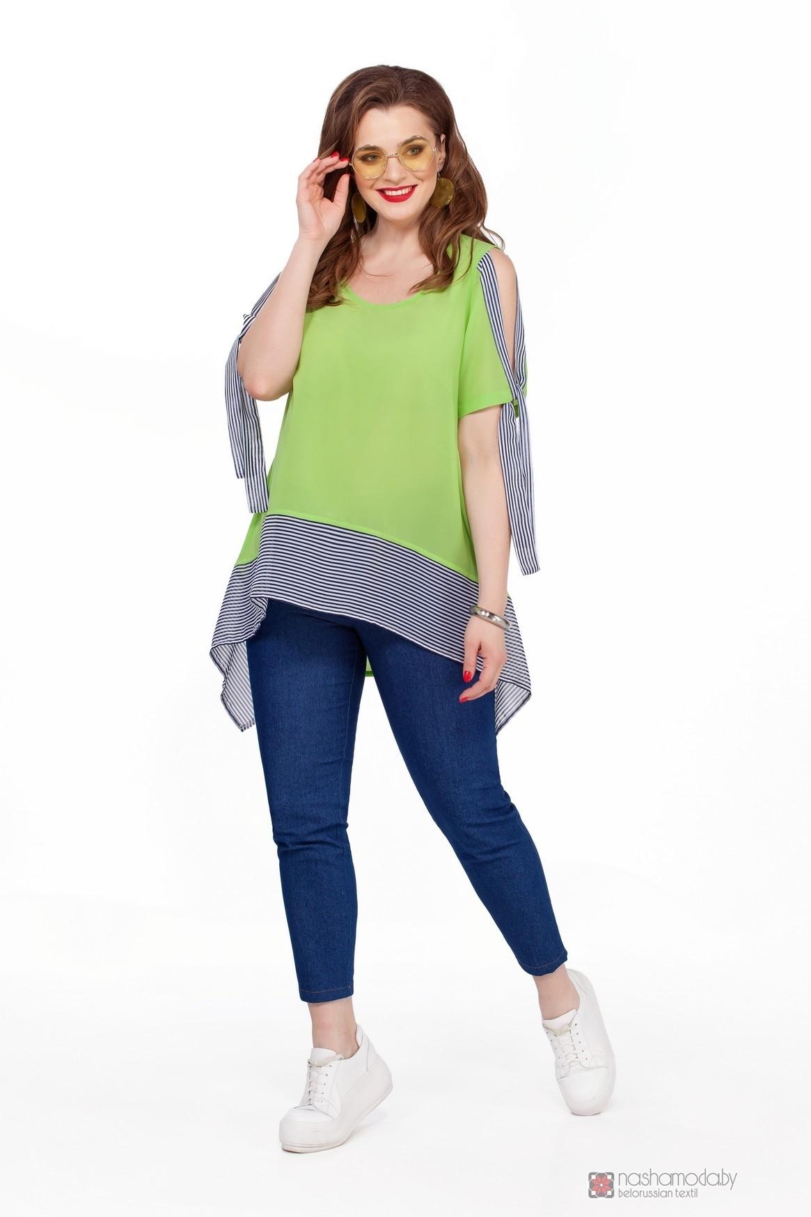 Модель TEZA 191 салатовая блуза/синие брюки