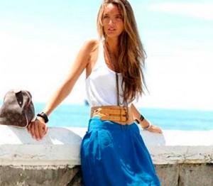 C чем лучше носить синюю юбку