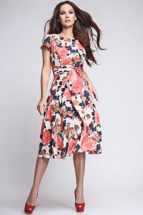 Летние платья Teffi Style 721/1 розы на бежевом фоне