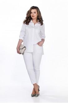 TEZA 170 с белыми брюками