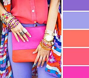 Как правильно сочетать цвета в одежде: 7 простых правил + шпаргалка